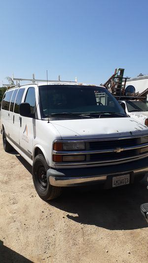 2001 CHEVY EXPRESS 3500 15 PASSENGER VAN for Sale in Los Angeles, CA