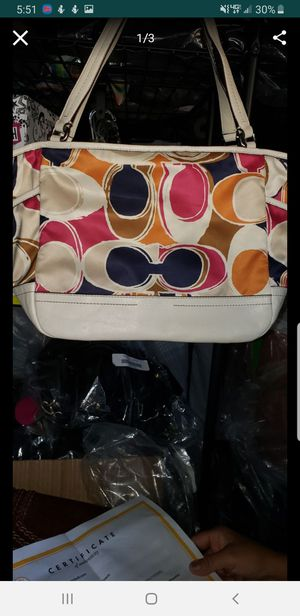 Coach hand shoulder purse in excellent condition comes with a certificate for Sale in Bakersfield, CA