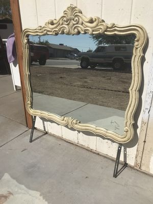One mirror good condition vintage for Sale in Phoenix, AZ