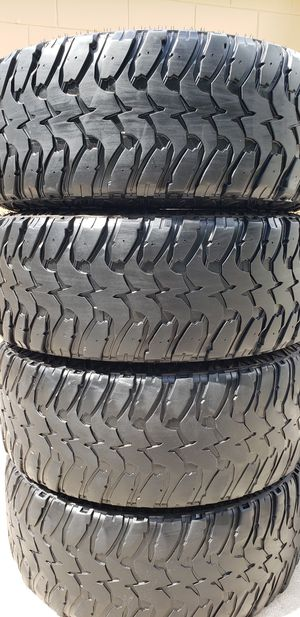 35x12.50x20 TIRES for Sale in Tampa, FL