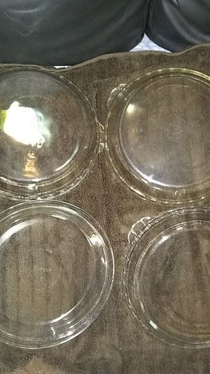 Pyrex 4 pie glass pan and 3 glass bowls for Sale in San Antonio, TX