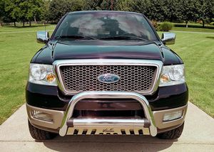 2OO5 Ford F-150 Lariat Showrooms Condition for Sale in Fresno, CA