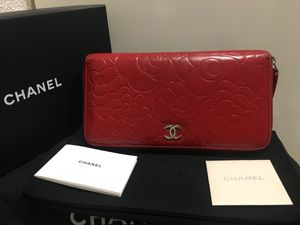 Authentic red Chanel wallet for Sale in Menlo Park, CA