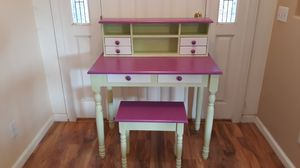 Small Painted Desk for Sale in Tulare, CA