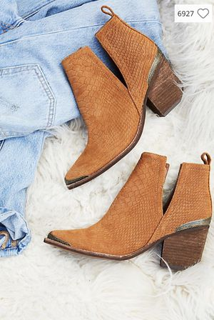 Jeffery Campbell Hunt The Plains Boot size 7 never been worn! for Sale in Portland, OR
