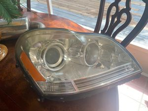 2008-2012 Mercedes GL350 GL450 GL550 X164 Right OEM Headlight for Sale in Tampa, FL