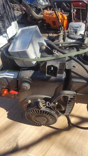 Briggs & Stratton 8hp motor for Sale in Lowell, MA