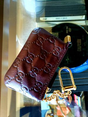 Authentic Gucci Signature Key Case Wallet for Sale in South Holland, IL