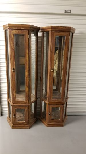 curio cabinets for Sale in St. Petersburg, FL