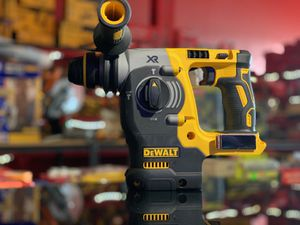 DEWALT 20v XR CORDLESS 1in SDS PLUS ROTARY HAMMER TOOL ONLY for Sale in Turlock, CA