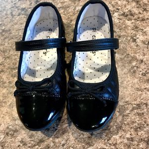 •LIKE NEW• Girls Size 11 (Y) Black Dress Shoes • Ballet Flat Style for Sale in Waterloo, IA