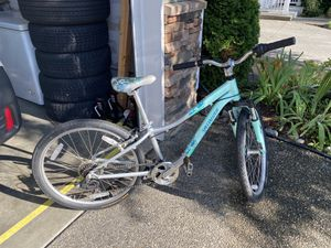 Bicycle, Specialized girl's bike for Sale in Woodinville, WA