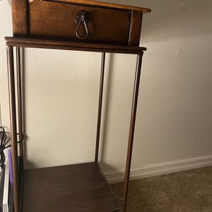 Small Antique Table for Sale in Fresno, CA