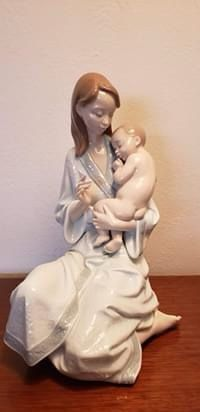 Lladro #8030- Sleep My Love for Sale in Loma Linda, MO