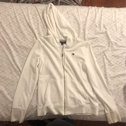 Tommy Hilfiger Sweater for Sale in Brooklyn,  NY