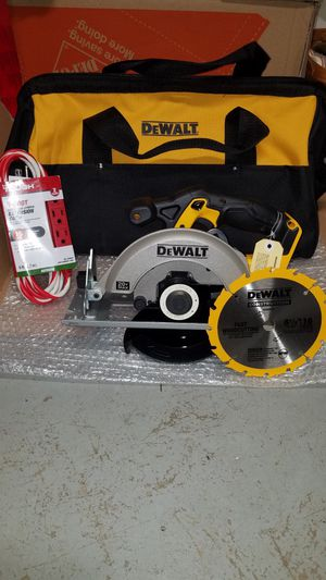 NEW Dewalt 20v MAX circular saw with blade and large contractors bag for Sale in Ashburn, VA
