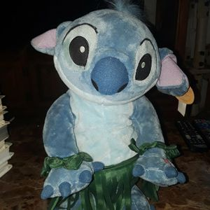 Collectible limited edition new with tags Disney World animated dancing hula Stitch toy for Sale in Lawndale, CA
