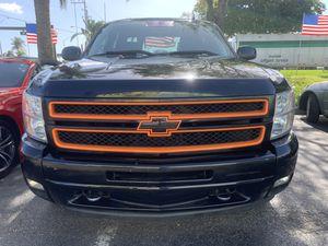 2012 CHEVY SILVERADO LTZ for Sale in Haverhill, FL