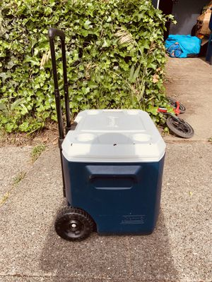 Cooler with wheels for Sale in Seattle, WA