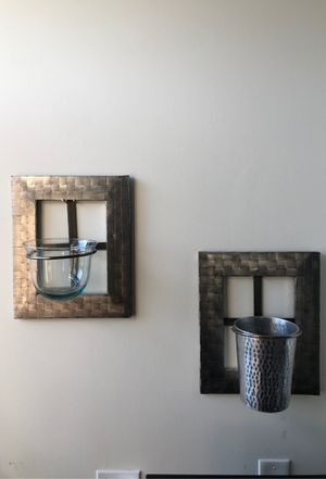Flower pot wall decor for Sale in Chicago, IL