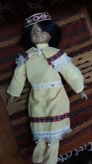 Ceramic used doll for Sale in Kennewick, WA