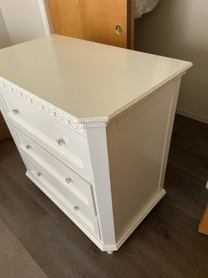 Simply Shabby Chic Dresser for Sale in Kingsburg, CA
