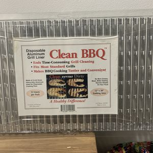 Clean BBQ - Disposable Aluminum Grill Liner. Set of 12 Sheets of Grill Topper for Sale in Fort Lauderdale, FL