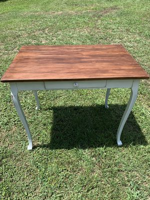 Vintage accent table for Sale in Middlesex, NC