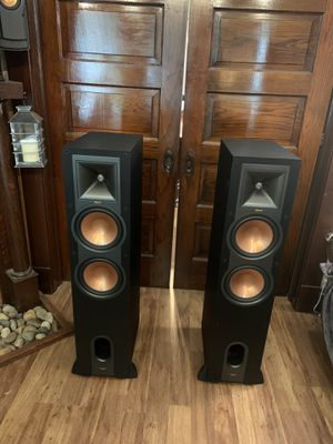 Klipsch r28f pair tower speakers for Sale in Cleveland, OH