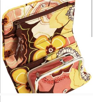 New With Tags Vera Bradley Wallet for Sale in Ronkonkoma, NY