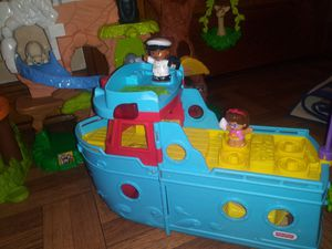 $10 little people boat in excellent condition 💙💙 for Sale in Chicago, IL