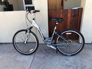 Trek navigator 200. 16 inch hybrid bike 21 speed for Sale in San Diego, CA