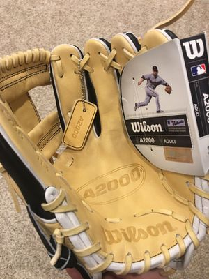 """Wilson A2000 11.5"""" Baseball Glove New for Sale in Kenmore, WA"""
