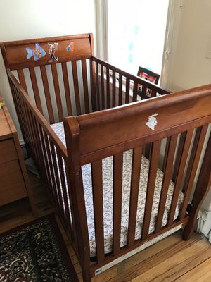Graco crib with mattress for Sale in Jersey City, NJ