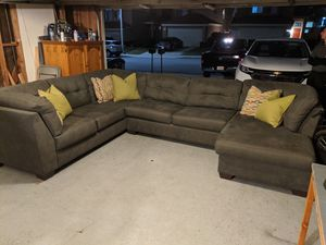 NEW* Condition Gray Charcoal Sectional couch set!! With NEW FOAM SLEEPER!! for Sale in Rancho Cucamonga, CA
