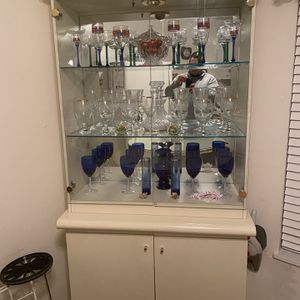 China Cabinet/Display for Sale in Tampa, FL