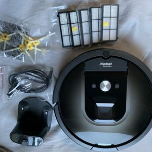 iRobot Roomba 980 with Extras for Sale in Roseville, CA