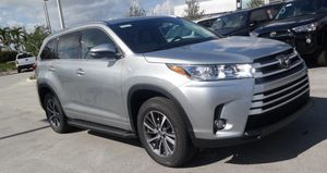 Toyota Highlander XLE for Sale in Miami, FL