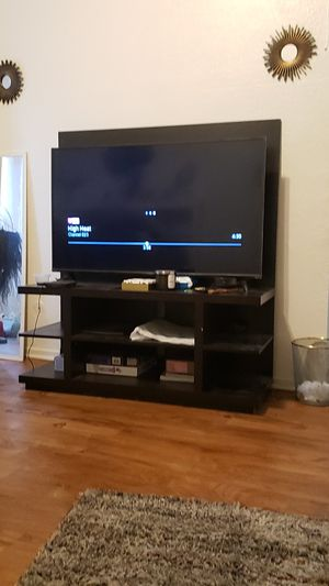 TV stand w/ Mount for Sale in Los Angeles, CA