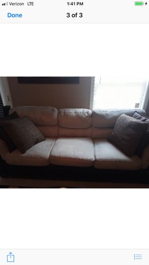 Living room suit for Sale in Murfreesboro, TN
