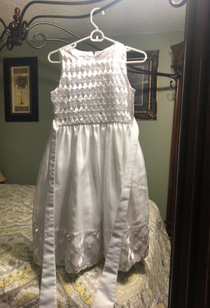 Girl white Dress size 14 firs communion flower girl for Sale in Nashville, TN