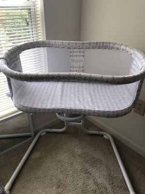 Halo bassinet for Sale in Baltimore, MD