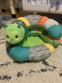 Infantino Prop-A-Pillar Tummy Time And Seated Support for Sale in Fort Lauderdale,  FL