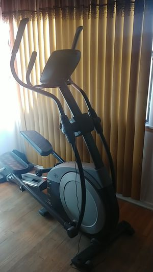 NORDICTRACK E 6.3 ELLIPTICAL for Sale in Bellflower, CA