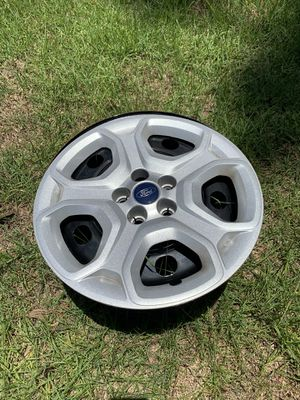 "Ford Focus 17"" steel rims and sporty hubcaps for Sale in Julington Creek, FL"