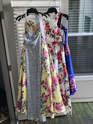 PROM DRESSES! yellow flower princess dress size 0. white flower princess dress two piece size 0 gray fitted with slit on leg size 3-4 for Sale in Atlanta, GA