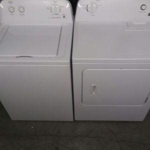 BEAUTIFUL 1 YEARS OLD WASHER AND DRYER DELIVERY AVAILABLE for Sale in Virginia Beach, VA