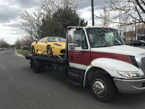 Tow truck/international/rollback/towing/truck for Sale in Manassas, VA