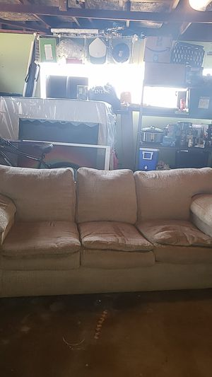 Brown Couch for Sale in Stanton, CA