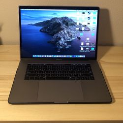 MacBook Pro - Perfect Condition for Sale in Riverside,  CA